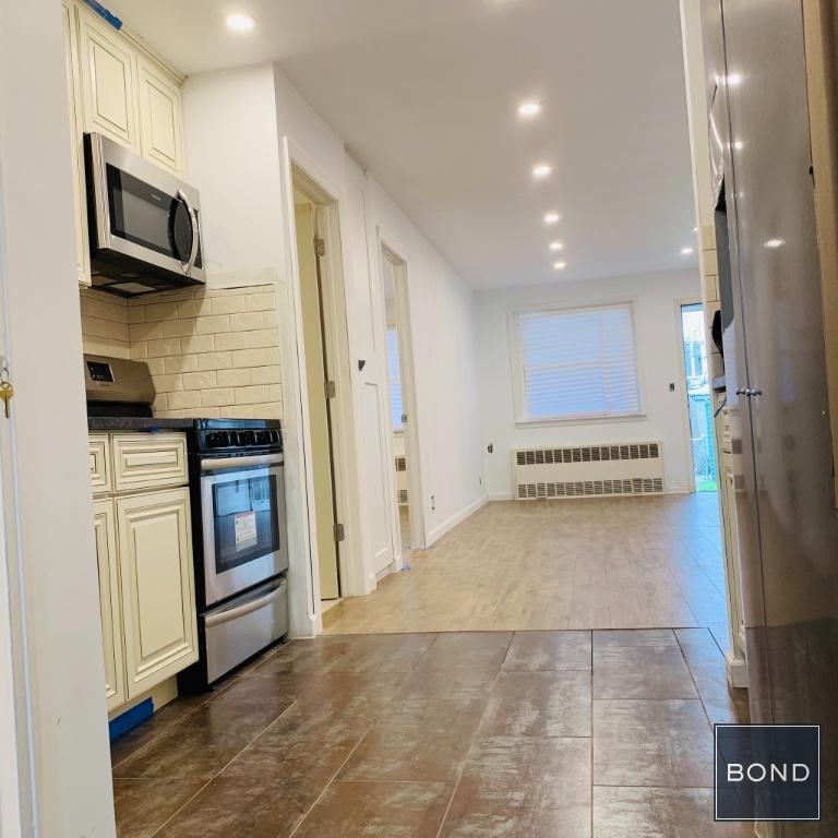 63 26 71st Street 1 Middle Village Ny 11379 Middle Village Apartments Queens 2 Bedroom Apartment For Rent