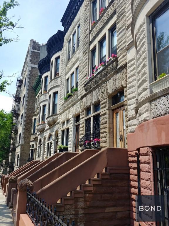 Hamilton Heights Row Houses