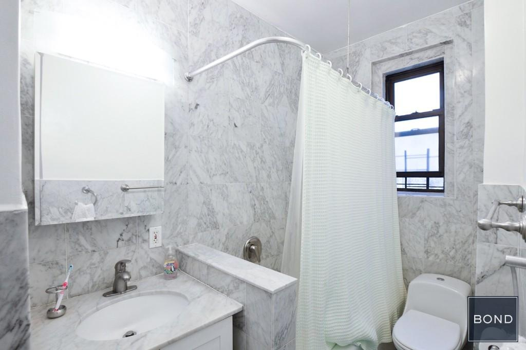 2 Marble baths