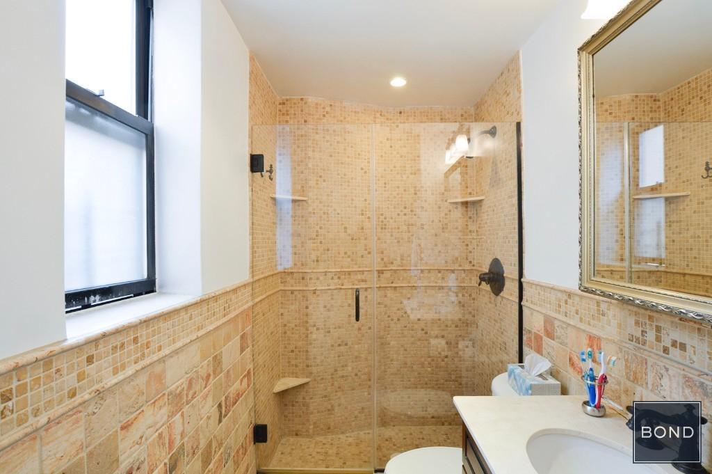 1 of 3 Baths