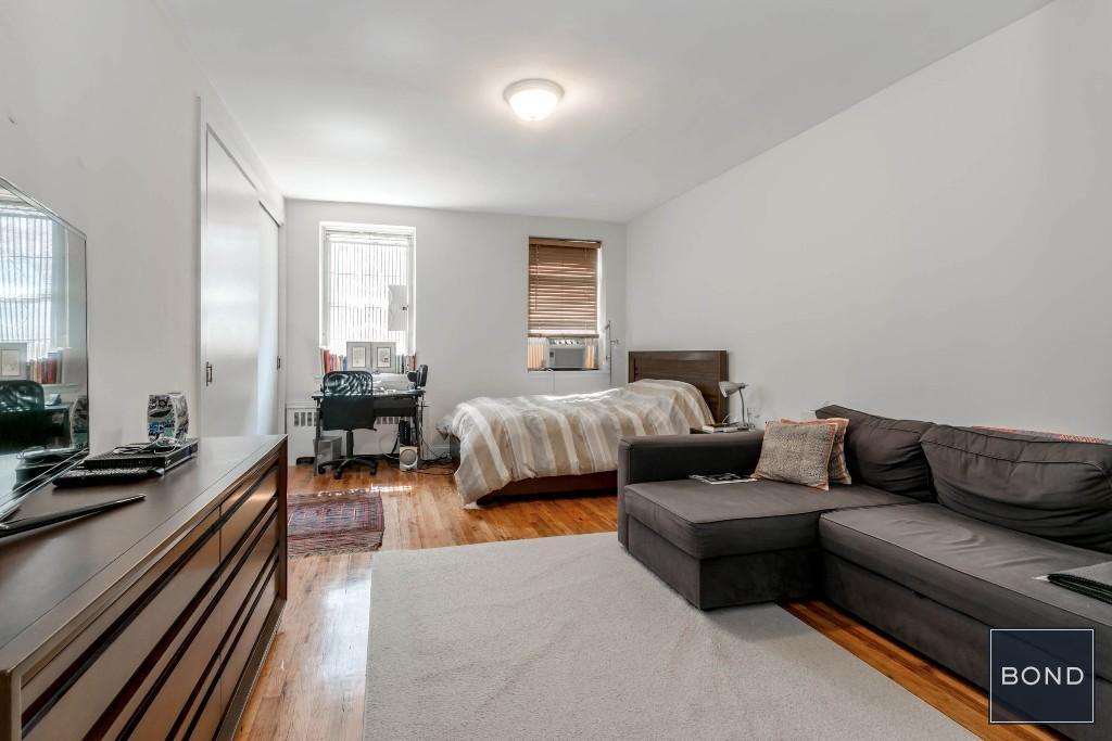 26 Bedford Street, Apt 2B, Manhattan, New York 10014