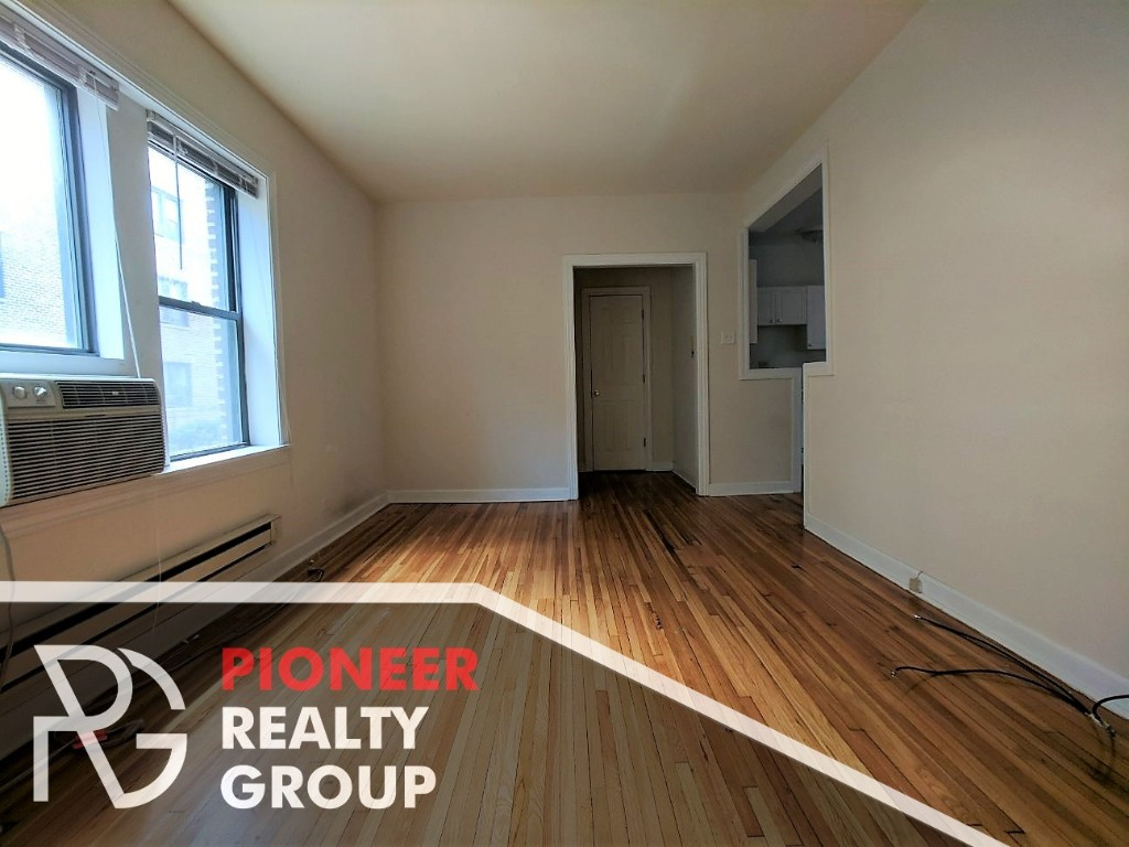 3720 n pinegrove 3726 e1 chicago il 60613 chicago - 4 bedroom apartments lakeview chicago ...