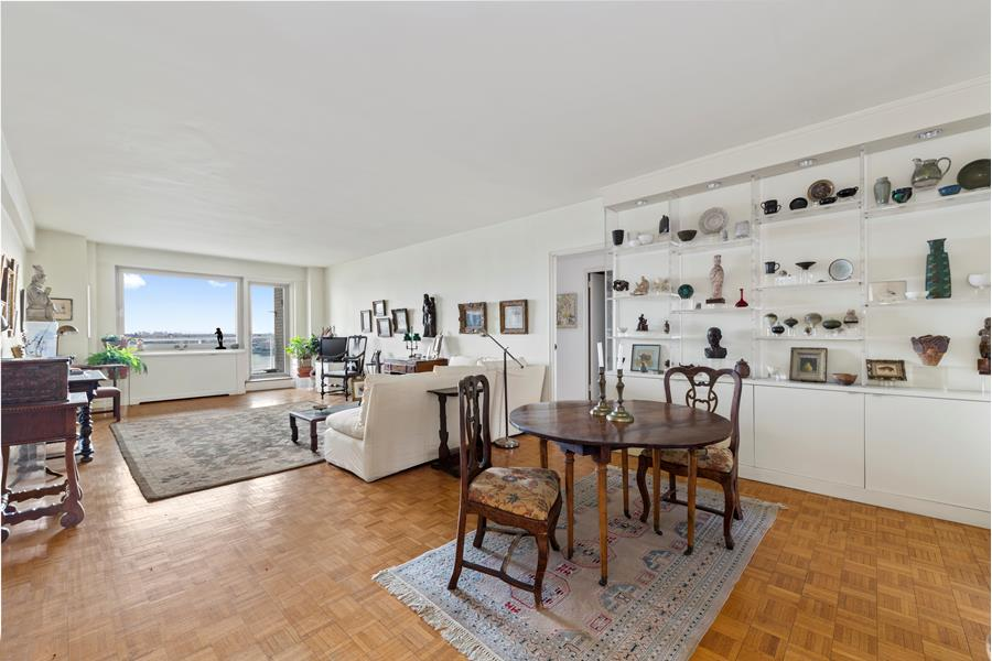 180 East End Avenue, #15D